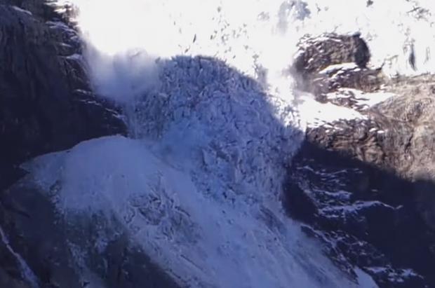 El vídeo del espectacular colapso del glaciar Tourtemagne en los Alpes suizos
