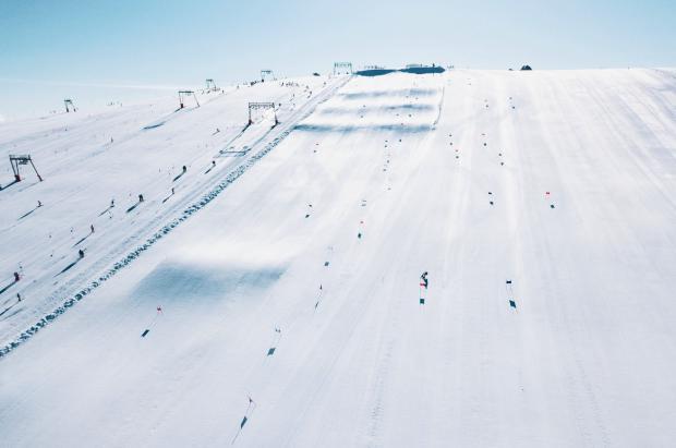 Les 2 Alpes abrirá el esquí de verano el próximo sábado 29 con 300 cm de nieve acumulada