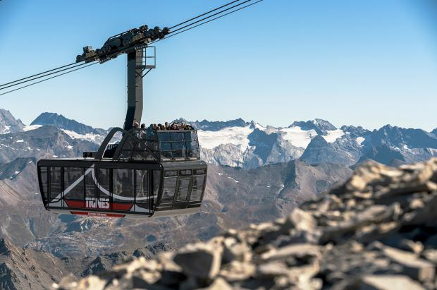 """Tignes inaugura el esquí de verano el 22 de junio y estrena un teleférico """"descapotable"""" con terraza"""
