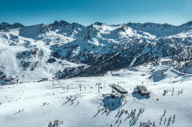 Grandvalira cierra las mejores Navidades en años con más de 327.000 esquiadores