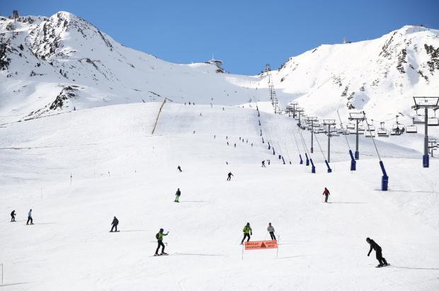 Grandvalira escala hasta los 30 km esquiables de cara al Puente de la Purísima