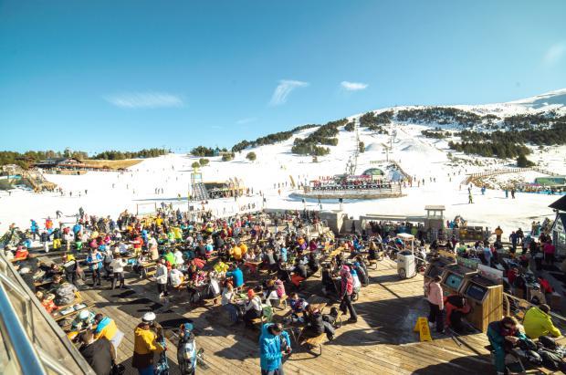 Grandvalira recibe 45.000 esquiadores durante el Puente, un 29% más que el año pasado