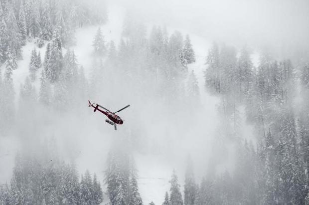 Una avalancha siega la vida de tres esquiadores españoles en Suiza