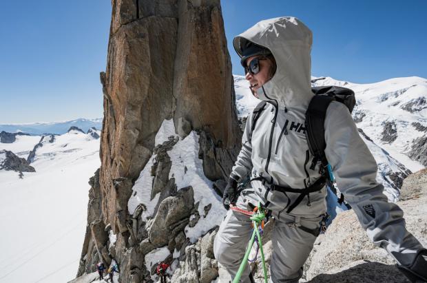 En lo más alto con la Helly Hansen W Odin 9 Worlds Infinity Jacket