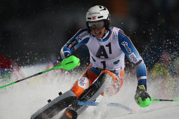 El noruego Kristoffersen gana el slalom nocturno de Schladming