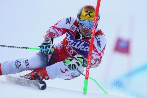 Marcel Hirscher arrasa en el gigante de Adelboden