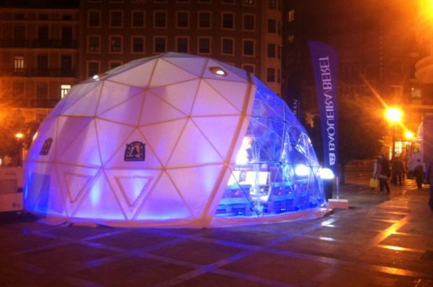 Baqueira Beret instala su iglú en Madrid para presentar la temporada 2015-16