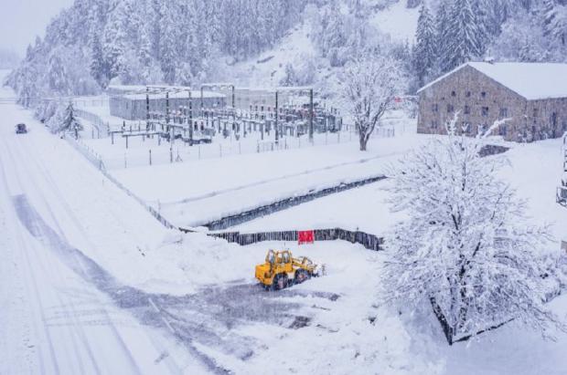 Las fuertes nevadas amenazan con avalanchas y desbordamientos en el Tirol