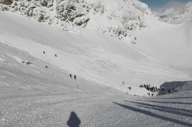 Cuatro personas rescatadas debido a tres avalanchas en Candanchú, Astún y Chía