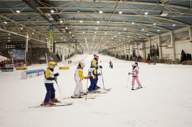 Madrid Snowzone propone unos campamentos de verano para jóvenes