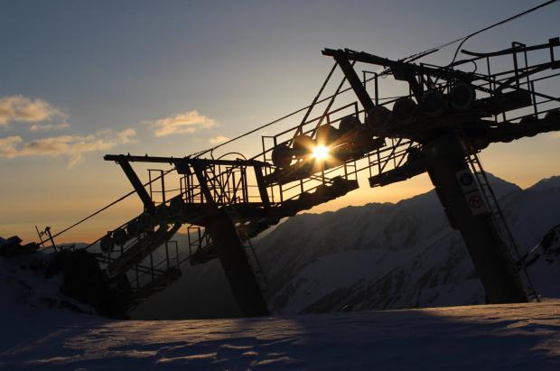 La última oportunidad de esquiar en los Pirineos franceses con mucha nieve y precios increíbles