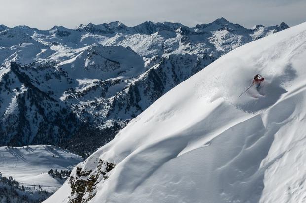 5 grandes estaciones de esquí del Pirineo para aprovechar al máximo una escapada