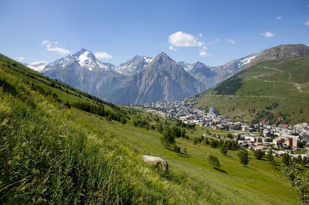 La guía práctica del Esquí de Verano en Les 2 Alpes