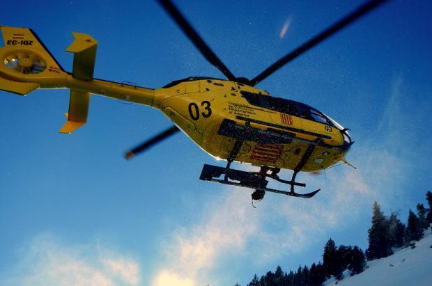 Rescate con helicóptero esquí fuera pista en Port del Comte