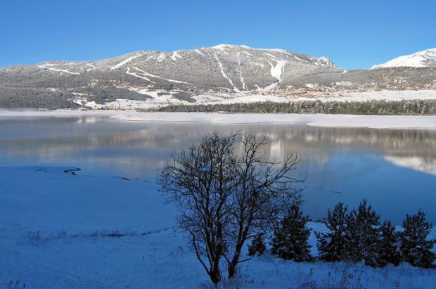 Descubre Les Angles, un auténtico pueblo-estación de esquí en los Pirineos