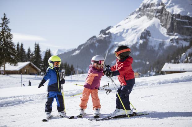 """¿Cómo hay que equipar a los más """"peques"""" para ir a esquiar?"""