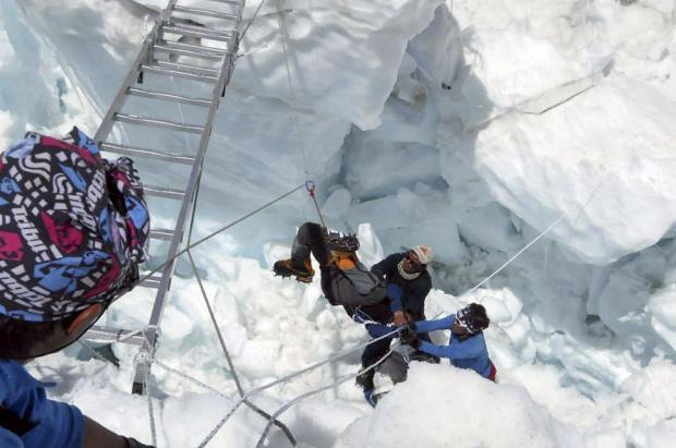 La peor tragedia de la historia en la montaña. Avalancha mortal en el Everest