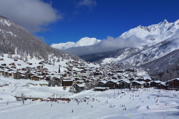 Saas Fee: una estación de esquí de postal en los Alpes suizos