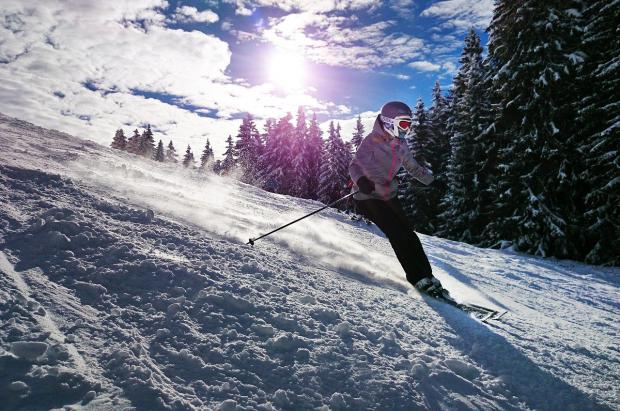 Cinco razones + cinco consejos por los que debes esquiar hasta Semana Santa y toda la primavera