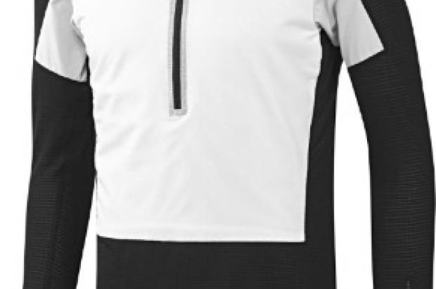 """Lawrence, Mass (USA) – 20 de Junio. """"Hacer más con menos"""". Bajo este concepto, Polartec y adidas. Una """"camiseta"""" técnica que añade la protección térmica de una segunda capa y la protección de una tercera"""