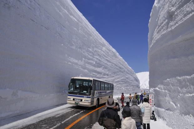 Tateyama Kurobe: la ruta japonesa de los muros de nieve gigantes