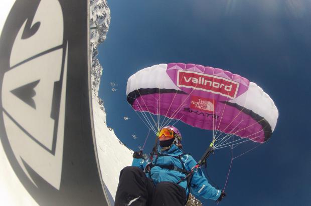 Speedride: la combinación de esquí y vuelo con parapente que lleva tu adrenalina al cielo