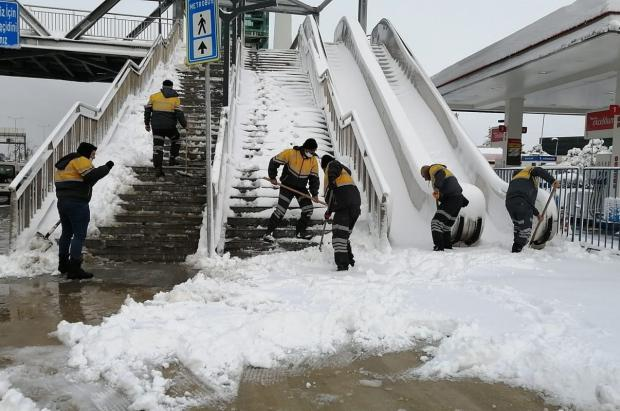 Nieva en medio mundo casi al mismo tiempo con acumulaciones y temperaturas de récord