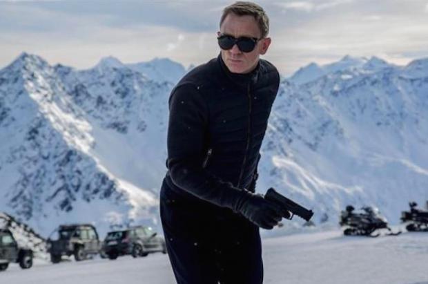 ¿Sabes dónde esquía 007? Las 7 estaciones que ha elegido James Bond