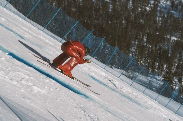 Jan Farrell alcanza 172 km/h en la pista más inclinada con un 120% de desnivel máximo