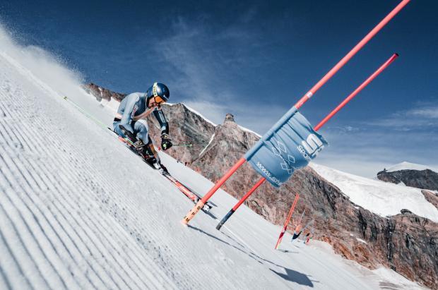 Vídeo: Así entrenan los equipos de la RFEDI en el glaciar de Saas-Fee (Suiza)