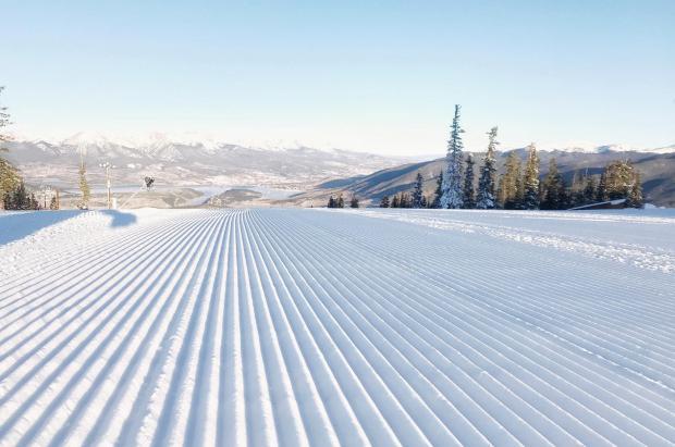 Las estaciones de esquí de Colorado tienen un 1.000% más de nieve de la normal en otoño