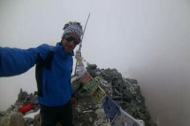 Kilian Jornet renuncia a la cima del Everest por el riesgo de aludes
