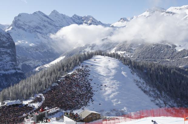 Un brote de Covid cerca de Kitzbühel obliga a trasladar la Copa del Mundo de esquí a Flachau