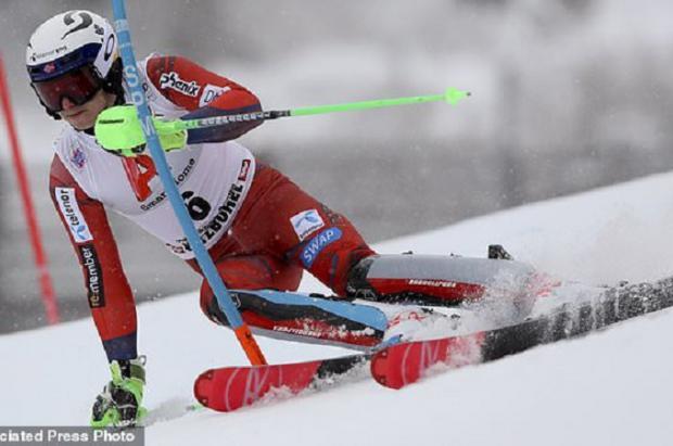 Kristoffersen sorprende a Hirscher y se lleva el slalom de Kitzbühel