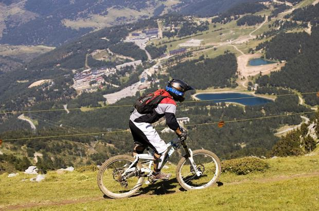 La multiaventura del verano se vive en La Molina
