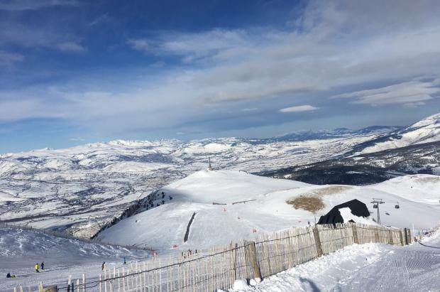 Las nevadas caídas en las estaciones del Grupo FGC aseguran un fin de semana con todo abierto