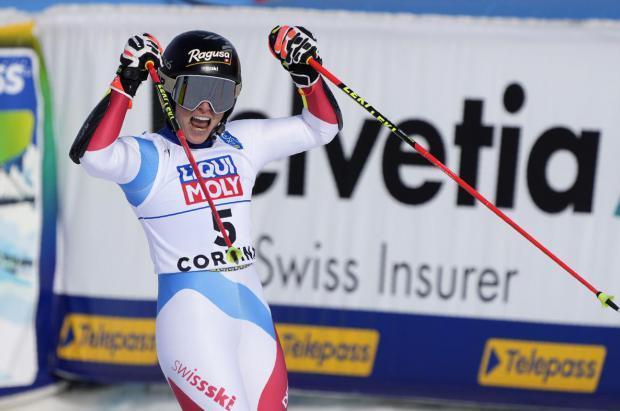 Lara Gut gana la batalla por el oro a Mikaela Shffrin en el GS femenino del Mundial de Cortina