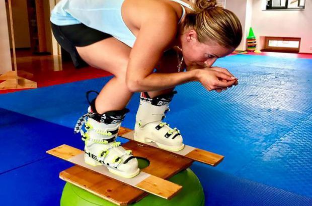 """Lara Gut: """"Ya entreno con las botas, pero para ponerme los esquís tardaré 2 meses aún"""" …"""