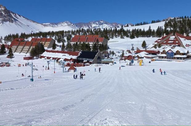 Las dos caras de la nevada: Portillo abre después de dos años y Las Leñas permanece cerrada