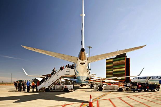El aeropuerto de Lleida prevé recibir este invierno 20.000 esquiadores con destino Andorra