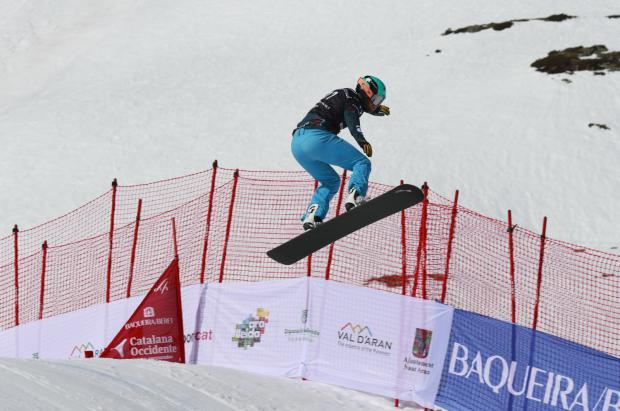 Lucas Eguibar gana la clasificatoria de la Copa del Mundo de snowboard cross FIS de Baqueira Beret