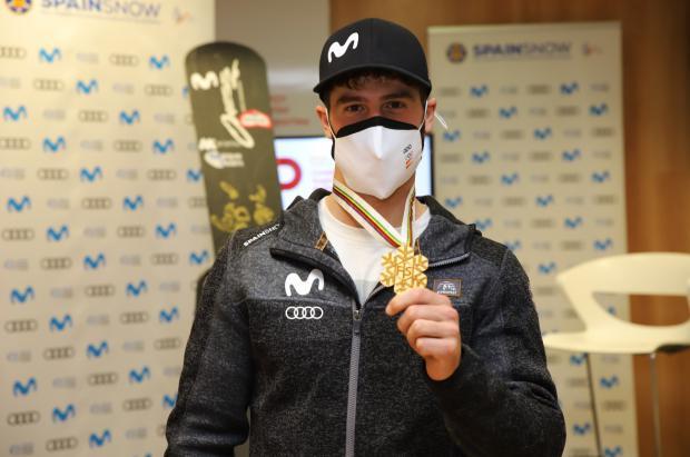Lucas Eguibar presenta su medalla de oro y revive cómo se proclamó campeón del mundo