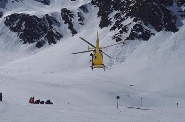 Herida grave una joven esquiadora en Vallnord-Pal Arinsal al chocar con un árbol
