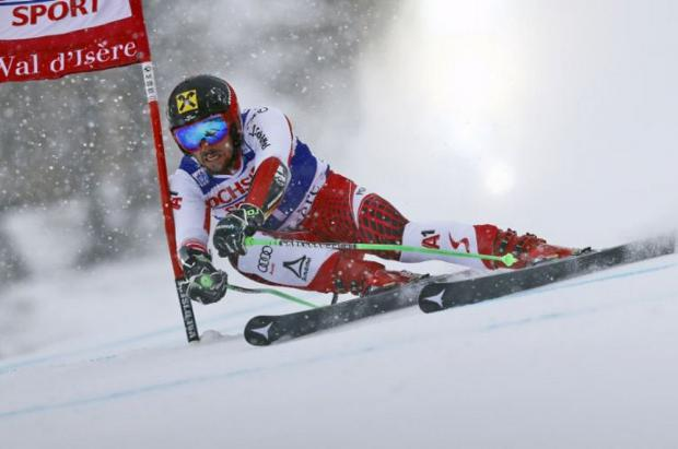 Marcel Hirscher gana con mano de hierro el gigante de Val d'Isère