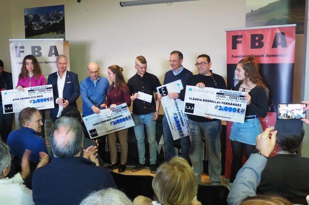 La Fundación Bosch Aymerich y la Obra social de La Caixa hacen entrega de los cheques beca