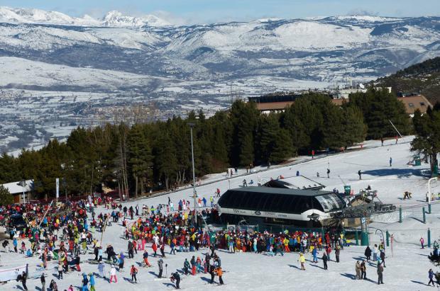 Masella recibe 35 cm de nieve el último día de unas Navidades de récord