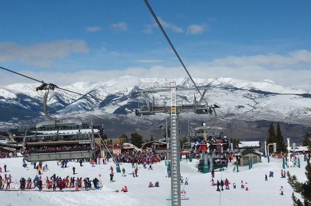Masella llega en forma al Puente: Nieve polvo e inauguración del esquí nocturno