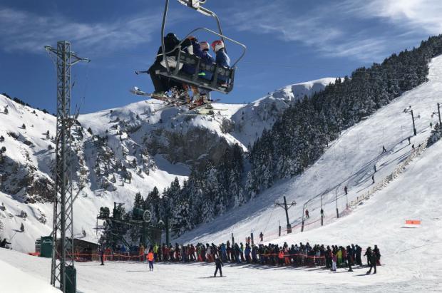 Masella cierra el histórico puente del 1 de noviembre con 16.000 esquiadores