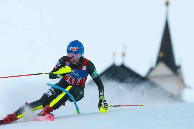Shiffrin consigue el doblete en Lienz y Pinturault gana la combinada en Bormio