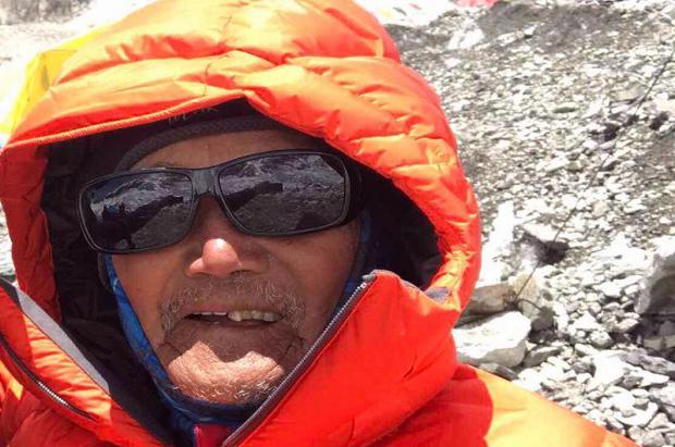 uere Min Bahadur Sherchan (85 años), cuando intentaba batir el récord de mayor edad en el Everest